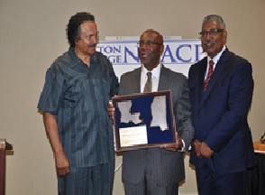 Mayor Jones receives lifetime achievement award.